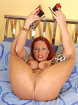 Red Heels, Party Faye girl in panthose shows out for you!