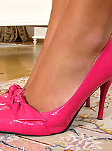 Red Heels, Pussy Close Ups in the Crack