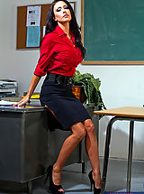 6 inch Heels, Gorgeous teacher Jessica Jaymes loves to have hot sex with her students.