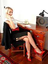 Hot Legs, Business lady Evey in merry widow and coffee full fashion nylons!