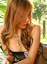 Lingerie Pics: Asian Women kathy ramos 16 redhead puffy nipples