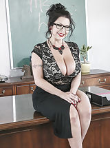 Sexy Secretary, Sheridan Love,Buddy Hollywood
