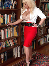 Naughty Office, Tori Karsin