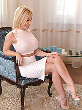 Sexy Secretaries, Chessie Kay