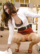 Secretaries, Lily Carter