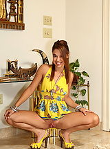 gigi rivera 01 yellow highheels labia stretcher