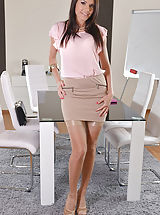 Hot Secretary, Kitana-Lure