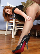 Heel Crush, Army girl Jenny is looking to get you stiffly to attention with her curvy weapons, all clad in an olive gossimer of sheer glossy nylon pantyhose... This up and coming hotty takes no prisoners!