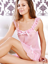 lingerie models, Inez | Pink Negligee