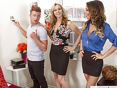 Jessica Jaymes & Julia Enticed By A Cougar,Julia Ann, Jessica Jaymes, Van Wylde, employer, Stranger, Bed, bed room, 69, United states, Tushy licking, Tushy smacking, Athletic system, Ball licking, BGG, Big Arsch, Big Artificial Titties, Big Boobies, Blond